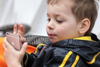 Семирічному хлопчику вдалося обійти захист iPhone XS