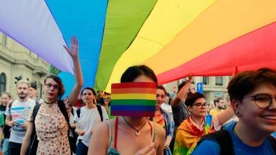 У Румунії Конституційний суд визнав гей-пари сім'ями