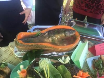 На Буковині на фестивалі пригощали юшкою з гарбуза - фото