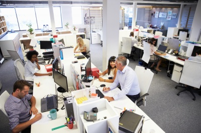 Як робота в офісі впливає на подружнє життя: висновки соціологів