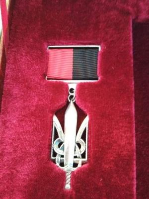 «Народні Герої України» у Хотинській фортеці: бійців нагородили срібними медалями