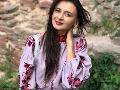 Співачка з Чернівців започаткувала флеш-моб – просить пристібати пасок безпеки