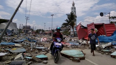 В Індонезії від землетрусу та цунамі загинули понад 800 осіб