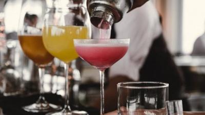 Алкоголь слід визнати наркотиком і продавати за рецептами - вчені