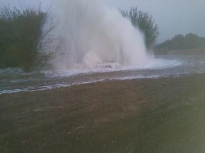 Масштабна аварія на водогоні: сьогодні вода у кранах чернівчан може не з'явитись