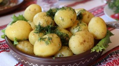 Дієтологи повідомили про маловідому корисну властивість картоплі