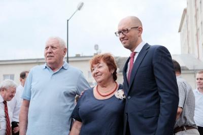 Речниця Яценюка заперечила, що батьки політика проживають в елітному помешканні в Чернівцях