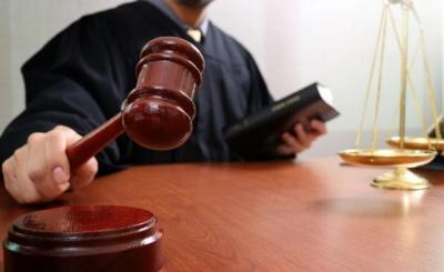 У Чернівцях судитимуть поліцейського, який вимагав у громадянина 5 тис грн