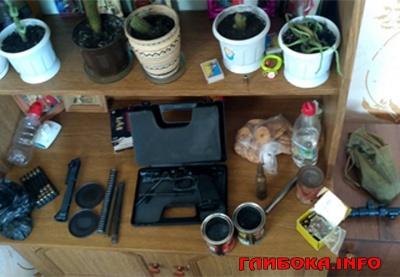 На Буковині в домі померлого бійця АТО вилучили арсенал зброї