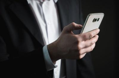 В Україні стали частіше оплачувати покупки смартфоном