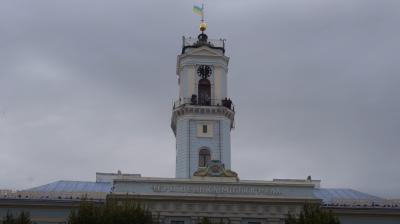 У Чернівцях новий сурмач виконав легендарну «Марічку» з вежі ратуші - відео