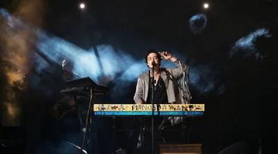 Співак Pianoбой відзначився курйозною витівкою на концерті в Чернівцях: несподівані деталі