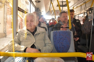 У Чернівцях владу закликають створити єдиний мобільний додаток для відстеження руху міського транспорту