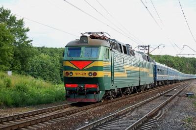 Потяг «Львів-Чернівці» травмував п'яного чоловіка, який заснув на колії