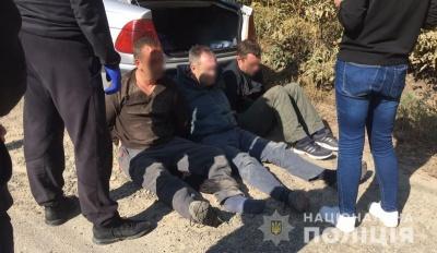 Вкрали барсетку і швидко втекли: очевидці розповіли про напад на «валютника» в Чернівцях