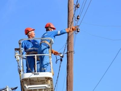 У Чернівцях на проспекті ще декілька годин не буде світла через пошкодження кабелю