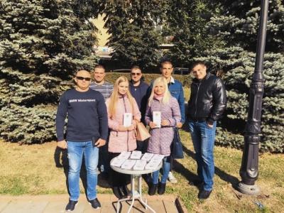 «Не моя тема»: у центрі Чернівців активісти розповіли про шкоду алкоголю
