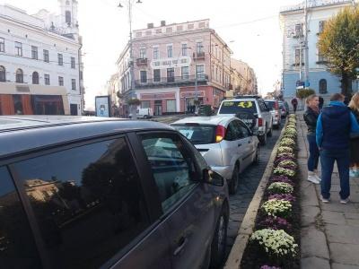 Більшість читачів МБ підтримує акції з перекриттям руху в Чернівцях через подорожчання пального