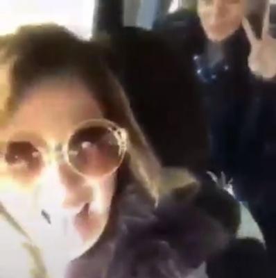 «Кума, ти жива?»: у Чернівцях дівчина у прямому ефірі в Instagram врізалась автівкою у джип - відео