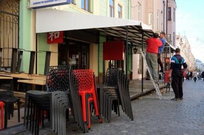 У Чернівцях літні майданчики ресторанів демонтують до 5 листопада