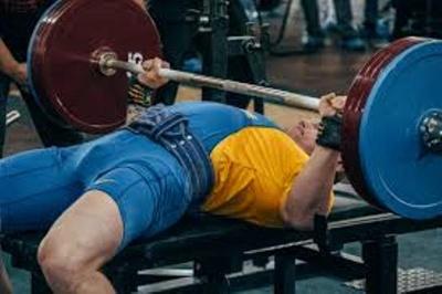Спортсмен із Вижничини встановив рекорд Буковини із пауерліфтингу