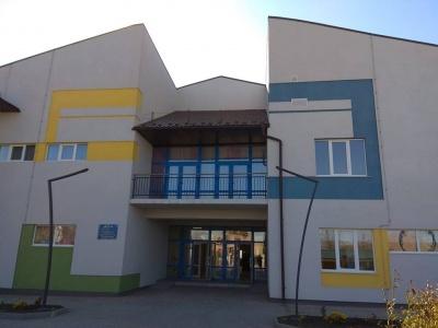 Широкі зали та сонячні колектори: у Ленківцях відкрили дитячий садок