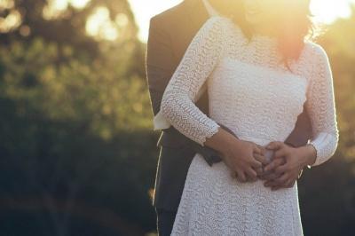 Що дозволяє собі чоловік тільки поруч з коханою жінкою: вісім важливих речей