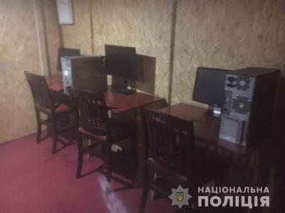 На Буковині поліція викрила два підпільні казино - фото