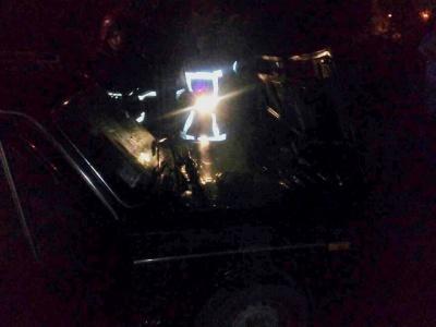 У райцентрі на Буковині під час руху спалахнув ВАЗ