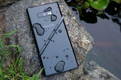 Лякаючий розмір: Samsung готує смартфон з гігантським екраном
