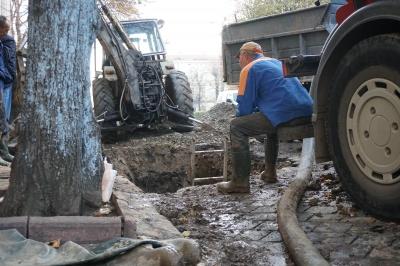 Чернівці без води: робітники кажуть, що пошкодження труби надто серйозне - відео