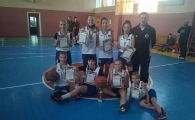 Чернівецькі баскетболісти перемогли на відкритому турнірі у Глибоці