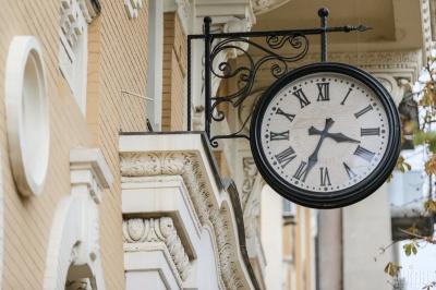 Перехід на зимовий час: коли треба переводити годинник