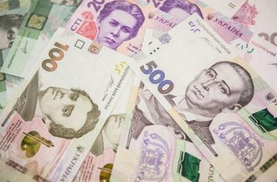Брати лівою і зберігати у червоних конвертах: як притягнути до себе гроші