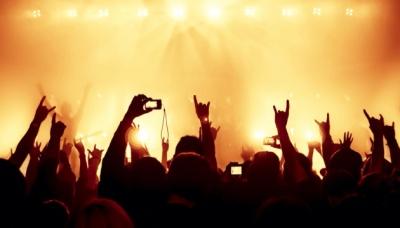 Слухати музику на повну гучність те саме, що слухати бензопилу, – Супрун