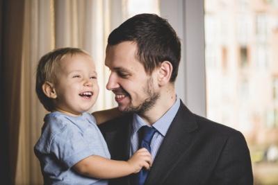 Назвали звичку батька, яка шкодить інтелекту дітей та внуків