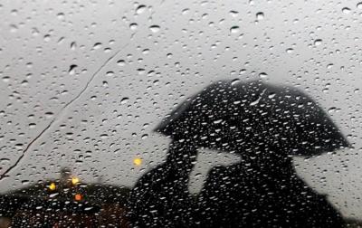 Дощ та мокрий сніг: на Буковині синоптики прогнозують штормове попередження