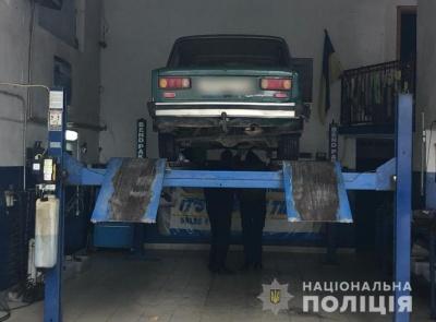 На Буковині поліція розшукала водія, який збив на смерть чоловіка та втік з місця ДТП