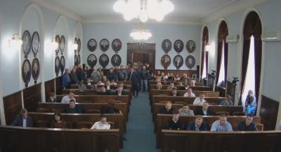 У Чернівцях депутати міськради взяли паузу в сесії до понеділка