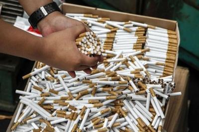Цигарки коштуватимуть 100 грн: уряд готує курцям неприємний сюрприз