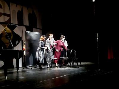 Золоті оплески Буковини: Сумська і Хостікоєв полонили глядачів своєю грою на сцені