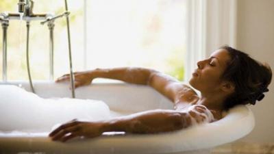 Чому корисно приймати гарячу ванну