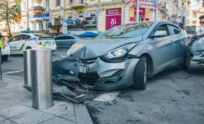 В Україні зупинки транспорту убезпечать захисними стовпчиками