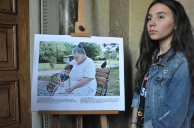 У Чернівцях підлітки за допомогою фото розповіли про соціально-економічні проблеми