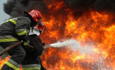 Підпалила сміття та пішла: на Буковині будинок постраждав через пожежу