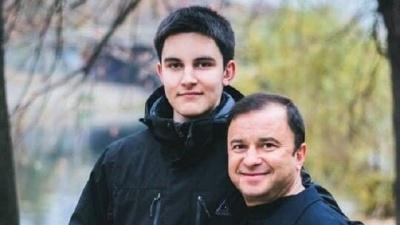 Віктор Павлік закликав шанувальників припинити збір грошей на лікування сина