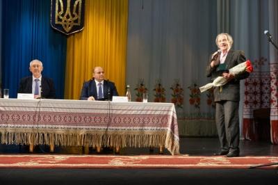 Двом народним артистам України присвоїли звання «Почесний громадянин Буковини» - фото