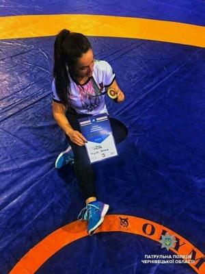 Патрульна з Чернівців стала чемпіонкою світу з панкратіону - фото