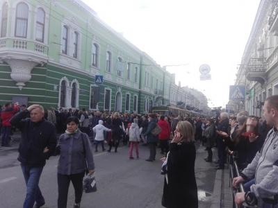 У Тернополі люди перекрили дороги, протестуючи проти подорожчання проїзду