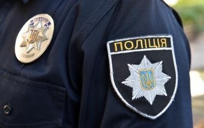 Захищав п'яного водія: у Чернівцях чоловік вдарив патрульного, а потім намагався дати хабар